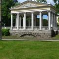 Павильон Трех граций в Павловском парке
