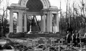 Немецкие захоронения у павильона «Росси» в Павловском парке.