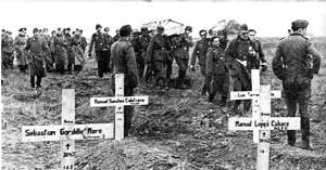 Восточный фронт, 1942-43 гг. Похороны после зимы.