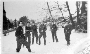 Павловский парк, группа солдат испанской дивизии. 1943 - 44 гг.